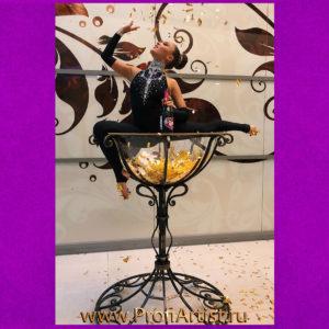 Шоу Девушка в бокале GOLDEN GLASS на праздник с красивой шоу программой