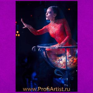 Заказать Шоу Девушка в бокале GOLDEN GLASS в Москве